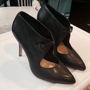 Pour La Victoire Ziegler Pointy Heels